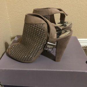 Jennifer Lopez Heels!